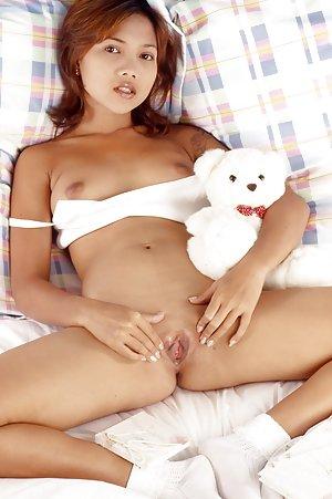 Asian Spreading Pussy Pics