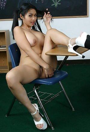 Asian High Heels Pics